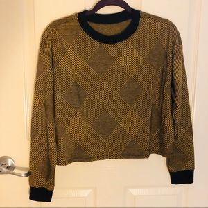 Sweater top in small